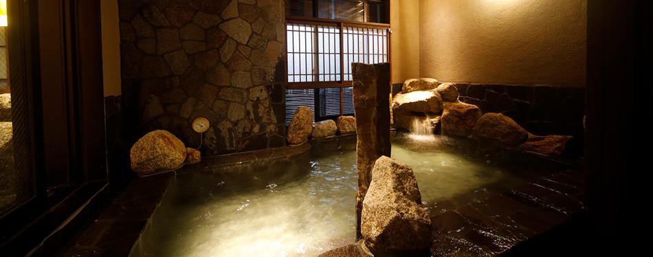 岩風呂(天然温泉)