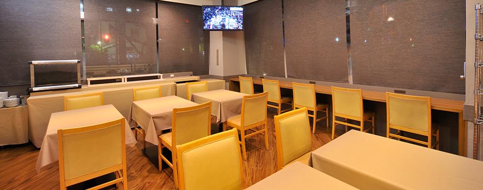 1階 レストラン「HATAGO」